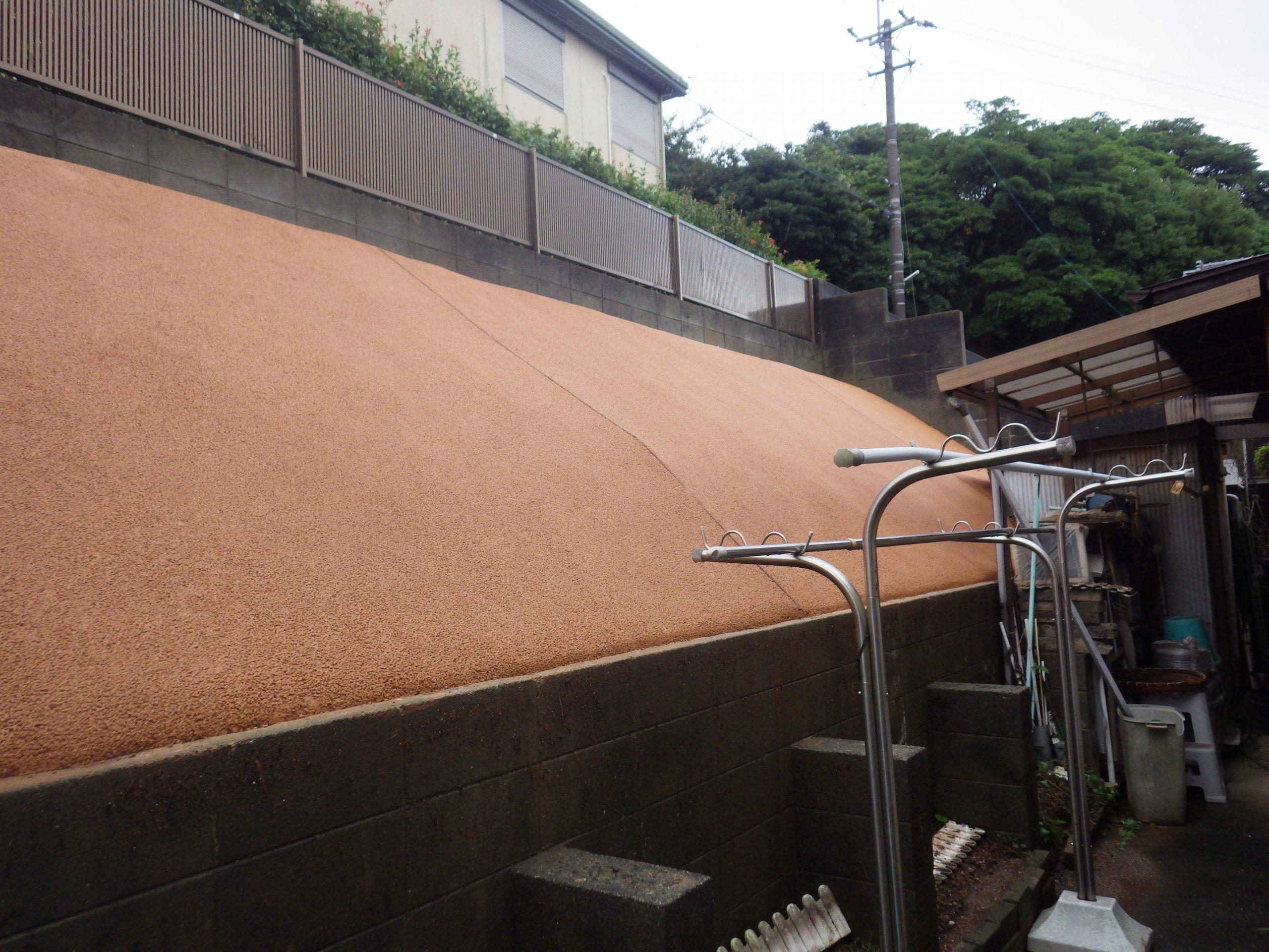 北九州市 N邸様お庭横の法面にガチン固施工しました