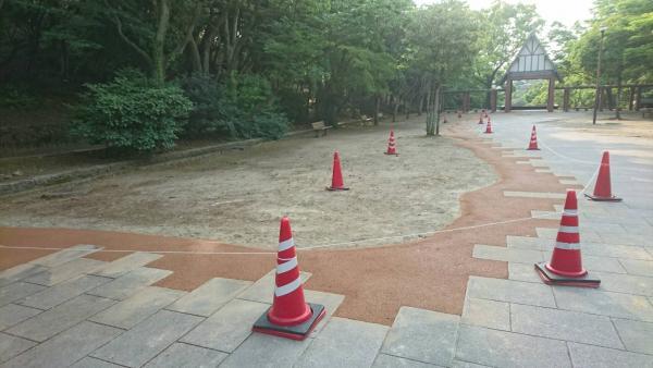 2017/5/29 戸畑区、夜宮公園をガチン固施工致しました! 地盤と石畳の、段差がなくなり歩き易くなりました!