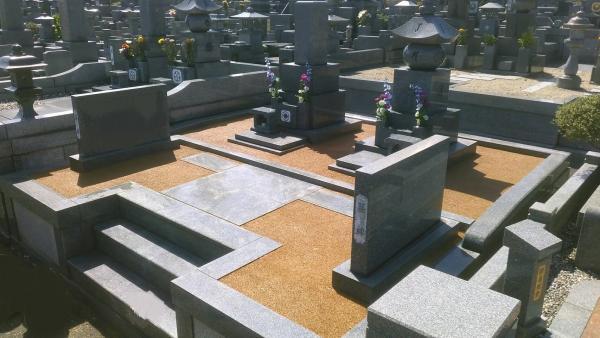 2017/10/3 施工 遠賀霊園 I 家のお墓の周りをガチン固施工でスッキリ!