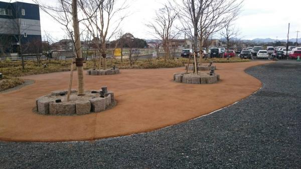 2017/1/17 遠賀郡水巻町、U株式会社の園路が完成しました。